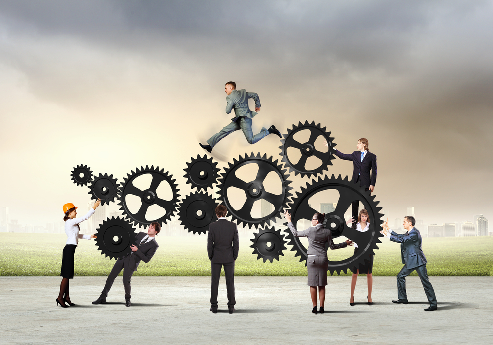 Simple rules for complex collaboration economic development